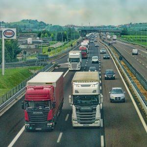 Quels sont les accessoires indispensables pour un chauffeur routier ?